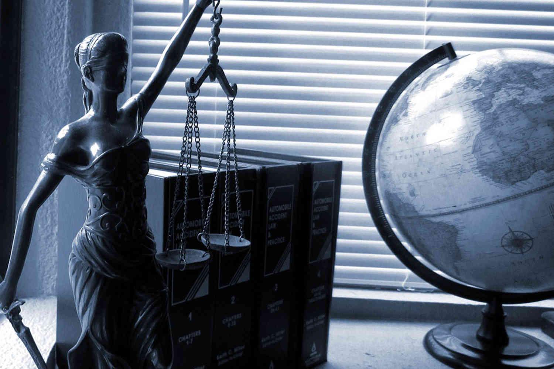 [ΠΑΡΑΤΑΣΗ] Πρόσκληση Υποβολής Εκδήλωσης Ενδιαφέροντος για Παροχή Νομικών Υπηρεσιών